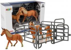 Zestaw Figurek Zwierzęta Konie Zagroda Źrebie Kucyk Farma
